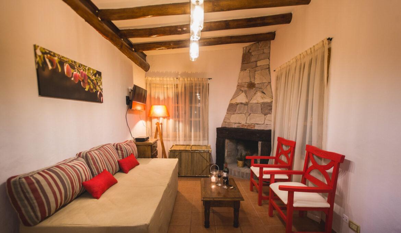 Cabaña de 2 Dormitorios con vista a la montaña en Zona Arida a 150 metros de Rio 65 m2